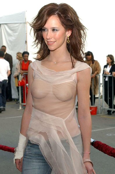 jennifer-love-hewitt-555