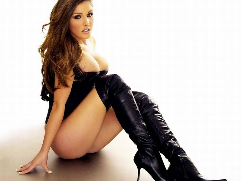 lucy_pinder_2