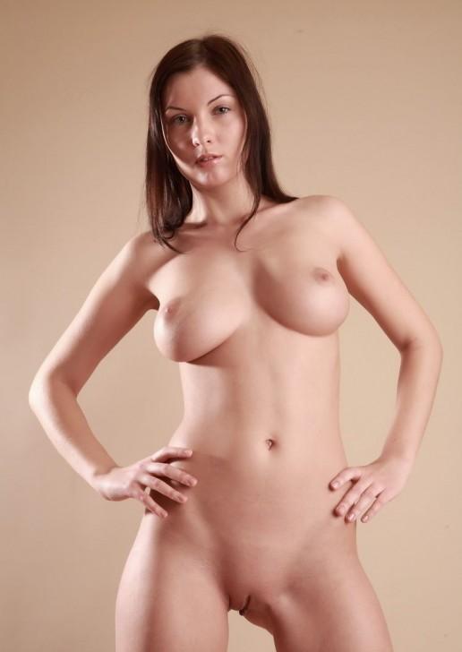 фото гладких голых девушек