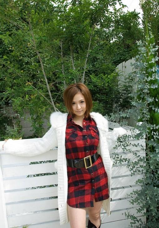 Hot_Chika_3