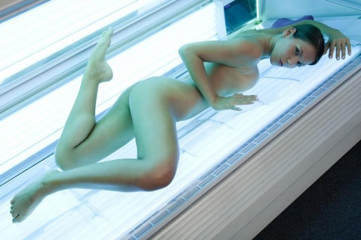 Hot_Model_12