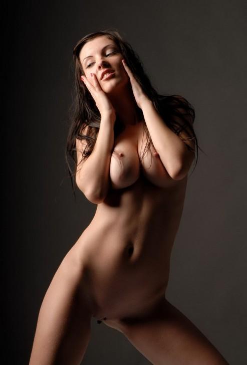 Hot_Model_11