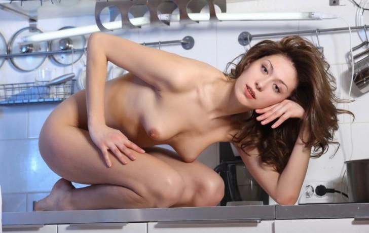 devka-na-kuxne_5949_s__16