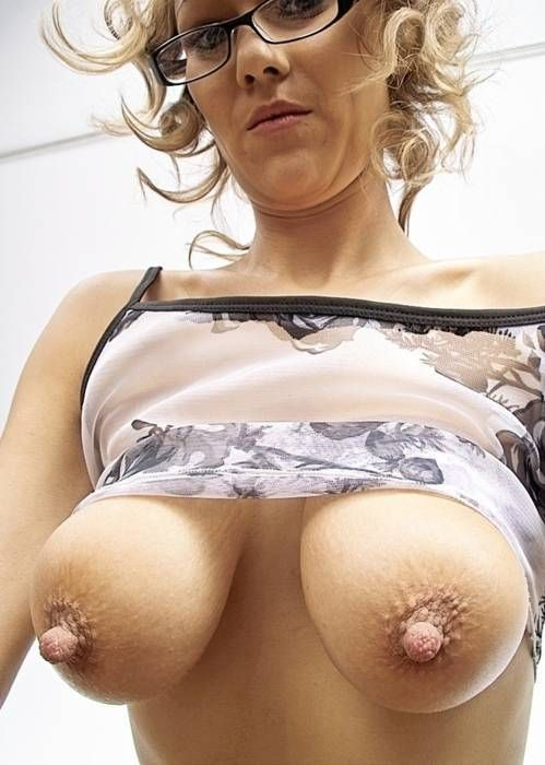Фото большие соски женщин 35639 фотография