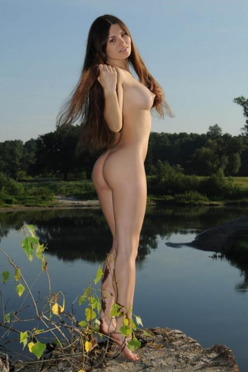 Hot_Model_16