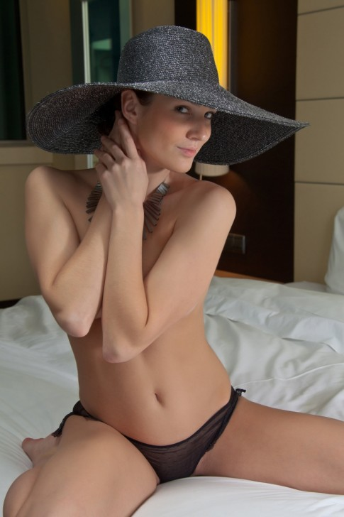 Hot_Wife_3