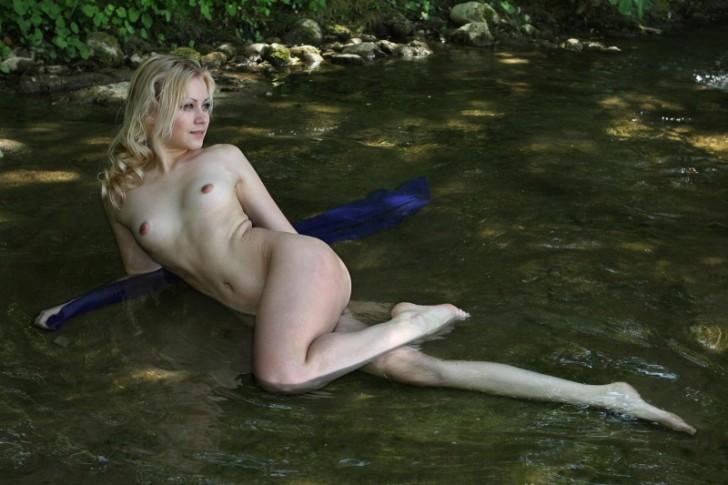 Hot_Woman_12